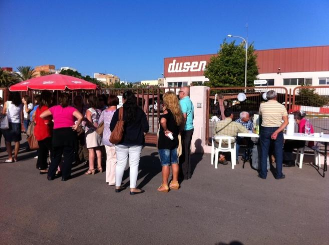 Movilización de este lunes en las instalaciones de Dusen mientras se...