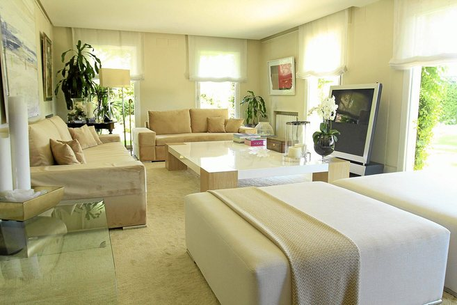 Salón de una vivienda diseñado por la interiorista Barbara Bogas.