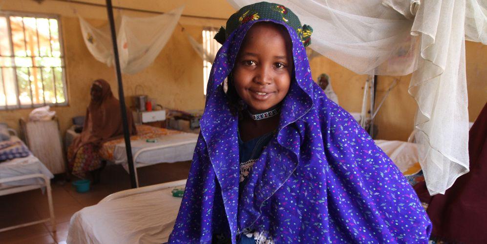 Una niña nigeriana de 13 años afectada por una fístula obstétrica...