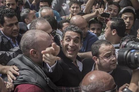 Basem Yusuf, en marzo de 2013 a su llegada a un juzgado de El Cairo.