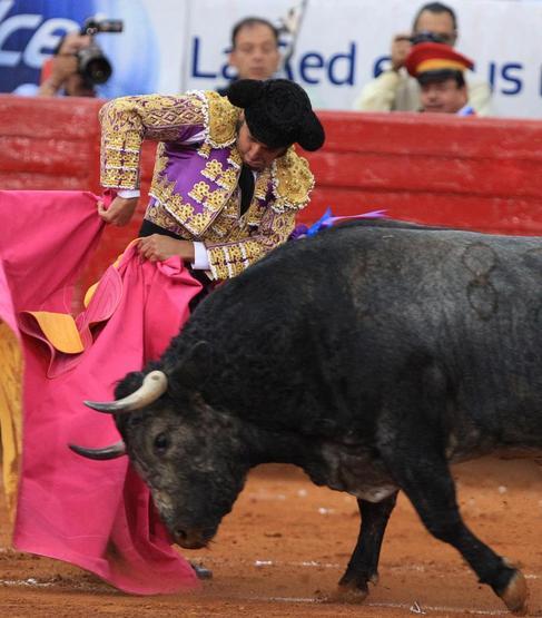 Media verónica de Morante de la Puebla.