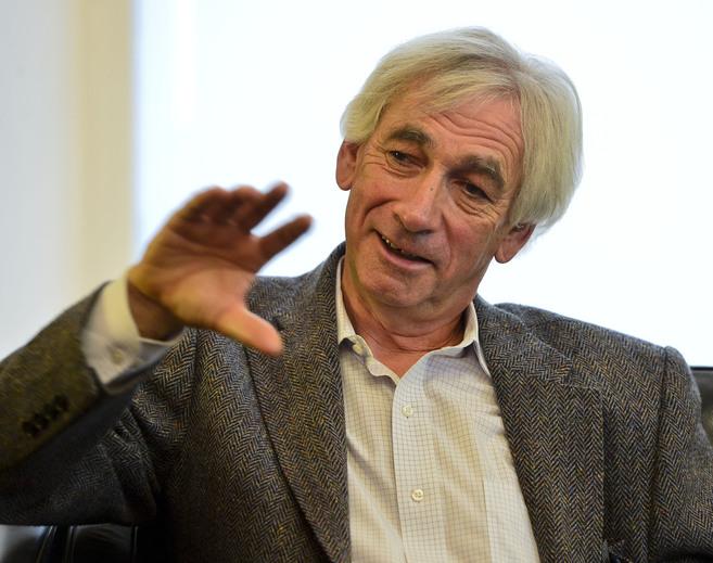 El cosmólogo británico Richard Ellis, durante la entrevista en...