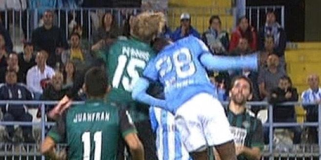 Captura de pantalla del momento en que Perquis y Fabrice chocan.