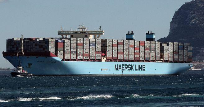 El portacontenedores más grande del mundo, a su llegada a Algeciras...