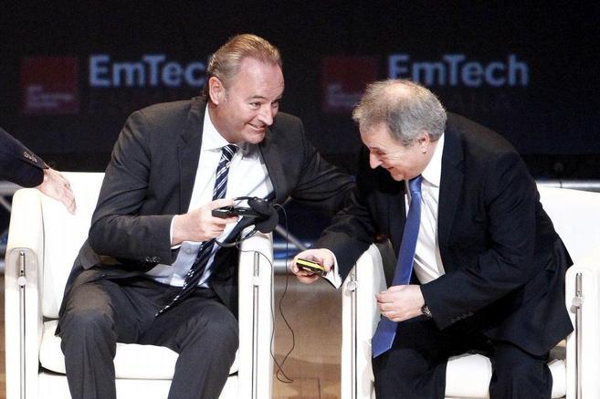 Alberto Fabra y Alfonso Rus, durante las jornadas del EmTech en...