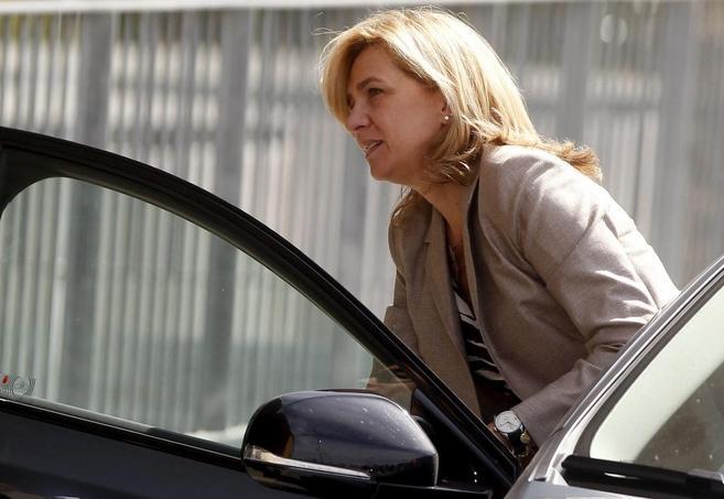 La Infanta Cristina sale de su coche