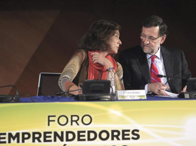 El presidente del Gobierno con la alcaldesa de Madrid, Ana Botella.
