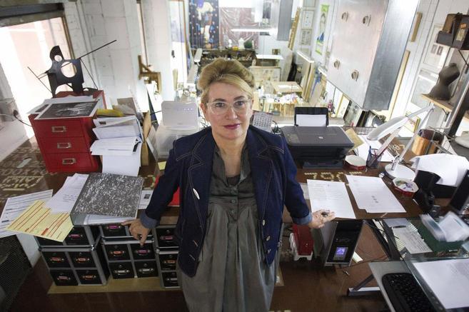 La artista Carmen Calvo, fotografiada en su estudio de Valencia, su...