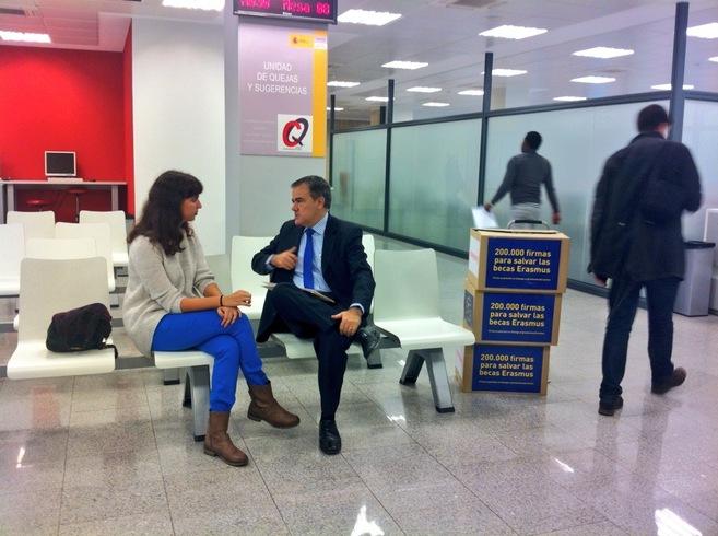 Laura Zornoza ante la Unidad de Quejas y Sugerencias del Ministerio de...