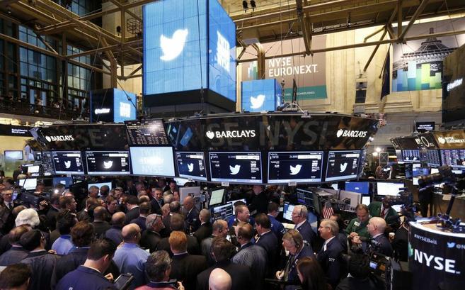 Expectación en Wall Street ante el debut de Twitter.