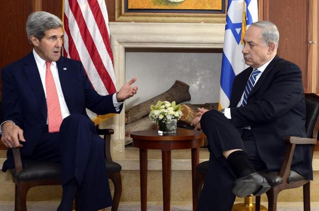 John Kerry y Benjamin Netanyahu.