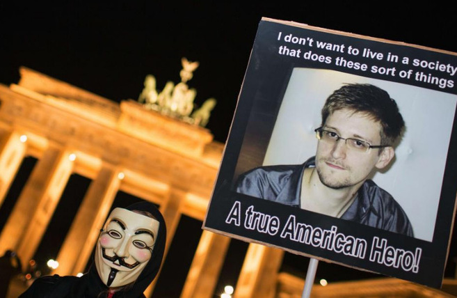 Pancarta a favor de Edward Snowden.
