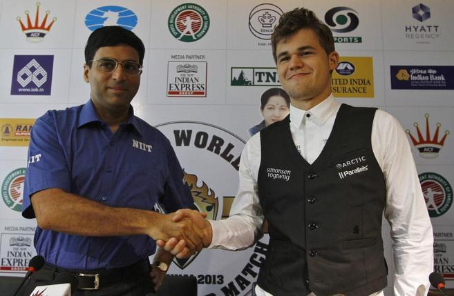 Anand y Carlsen, durante la presentación de la final.