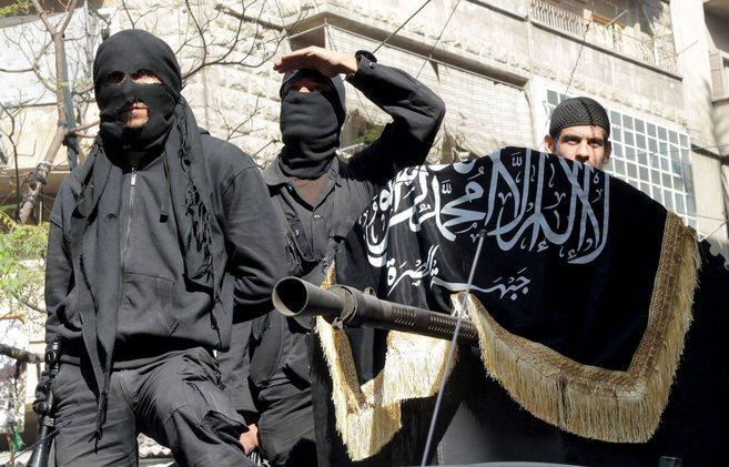 Miembros del grupo 'yihadista' al Nusra en Bustan al-Qasr.