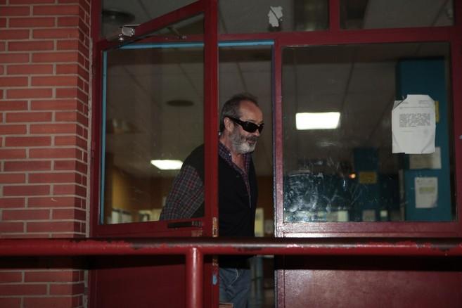 Juan Lanzas, en el momento de abandonar la prisión.