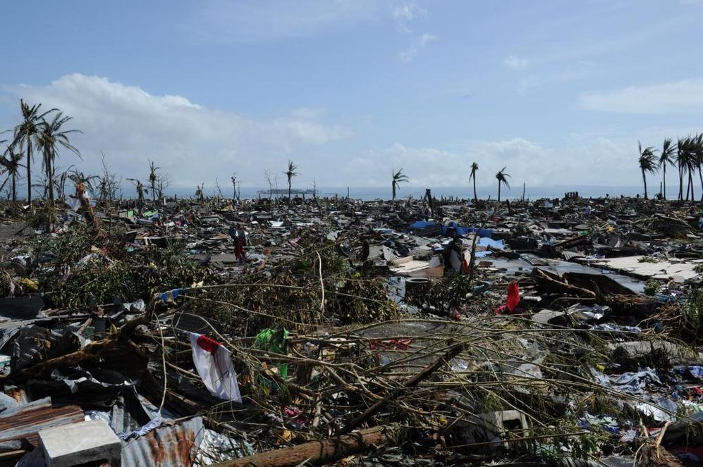 Daños en la costa de Tacloban, en la isla de Leyte.