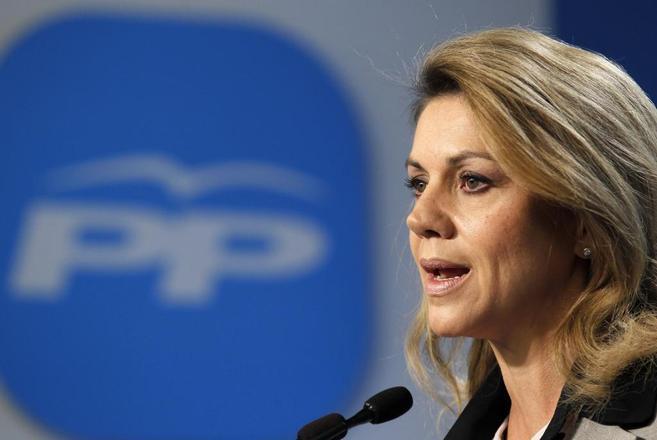La secretaria general del PP y presidenta de Castilla-La Mancha,...