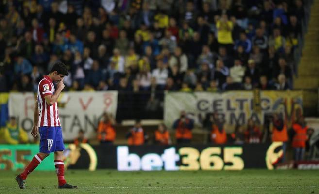 Diego Costa, en el momento de ser sustituido ante el Villarreal.