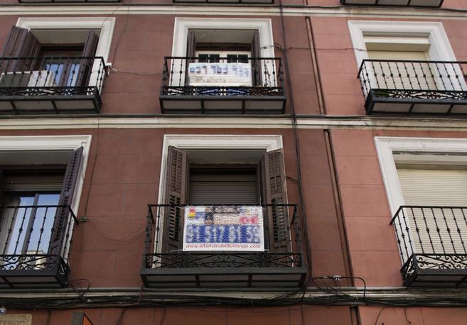 Imagen de archivo de dos pisos en comercialización en Madrid.