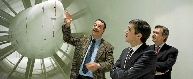 Joan Villadelprat con Patxi López en una visita a Epsilon.