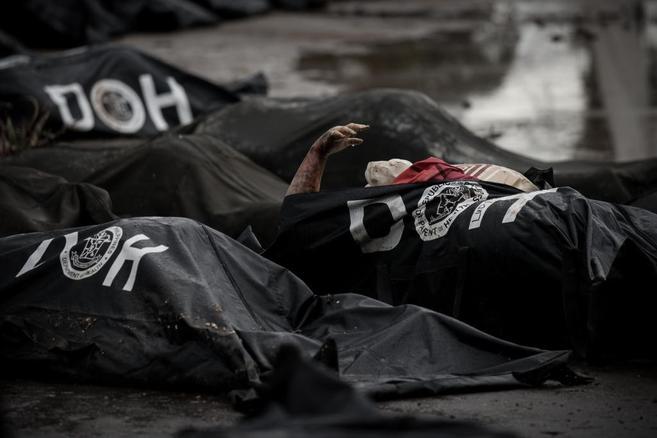 Cadáveres en bolsas en la morgue de Tacloban.