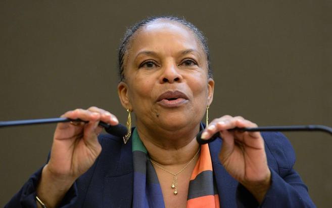 La ministra de Justicia francesa, Christiane Taubira, en la Asamblea...