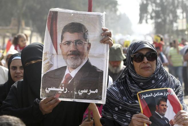 Simpatizantes del depuesto presidente Mohamed Mursi, en una marcha en...
