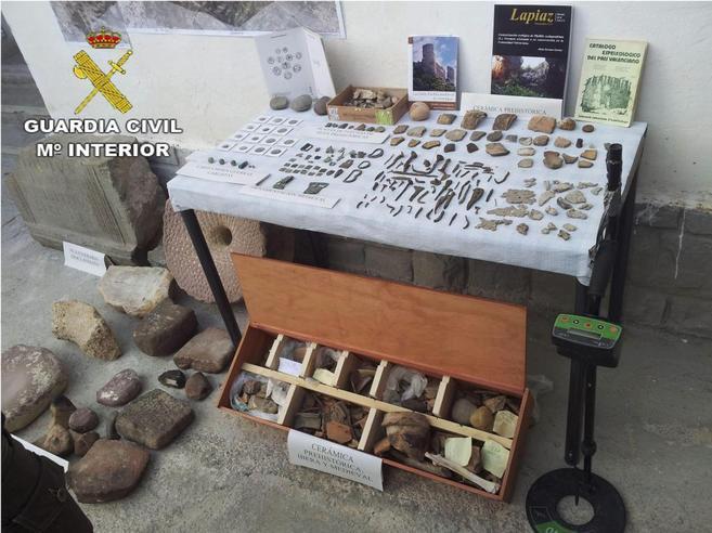 Algunas de las piezas arqueológicas incautadas por la Guardia Civil.