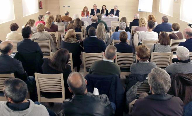 Reunión de los afectados por el accidente del Alvia en un hotel de...