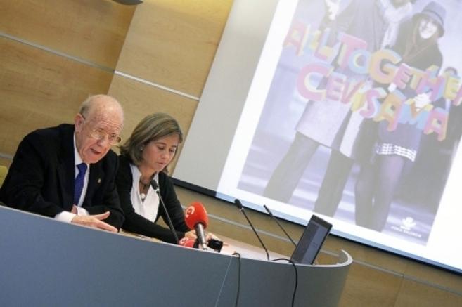 El presidente de Cevisama y la directora del certamen, en la...