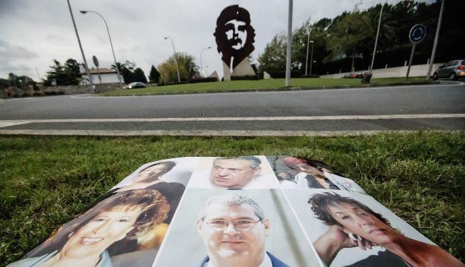 Rotonda del Che Guevara, junto a la foto de varios vecinos del pueblo:...
