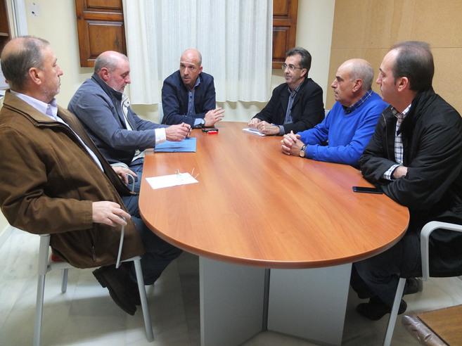 Reunión del alcalde de Nules, Mario García, con los...