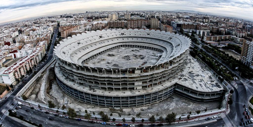 Vista aérea del estado actual del futuro estadio de Mestalla.