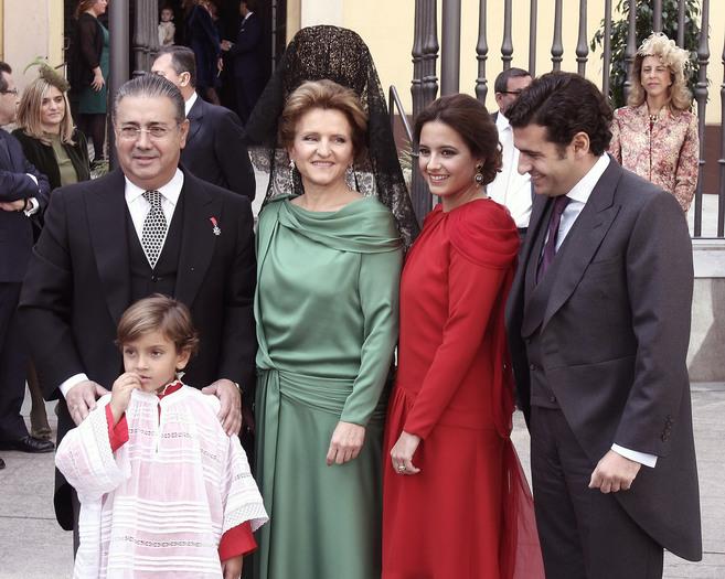 Juan Ignacio Zoido, con su mujer e hijos.