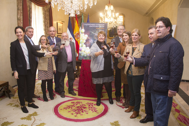 La delegación que ha defendido la candidatura jerezana.