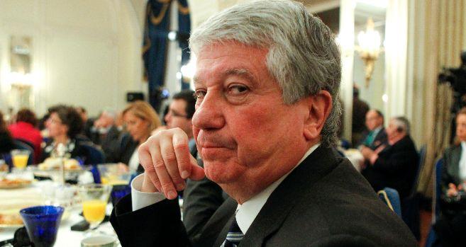 El vicepresidente de la CEOE, Arturo Fernández, en un desayuno.
