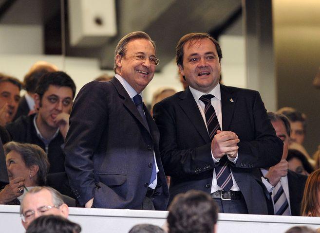 Los presidentes del Real Madrid, Florentino Pérez, y de la Real...