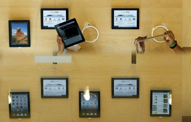 Plano cenital de varias tabletas iPad