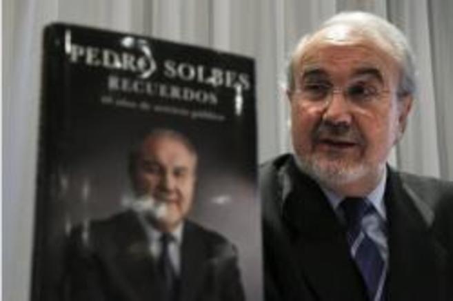 Pedro Solbes durante la presentación de su libro