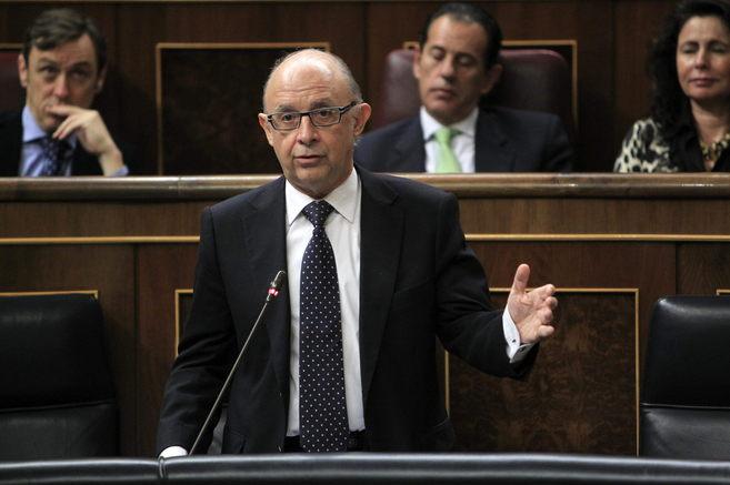 El ministro Cristóbal Montoro durante la sesión de control al...