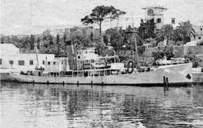 El buque oceanográfico Xauen atracado en el muelle de Porto Pi.