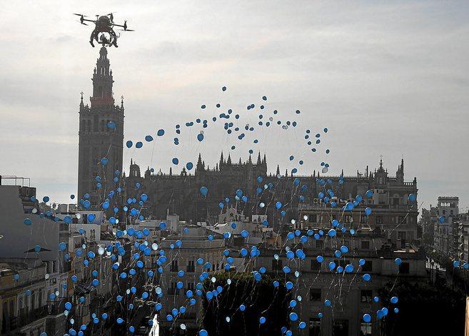 Suelta de globos en Sevilla con motivo del Día Internacional de los...