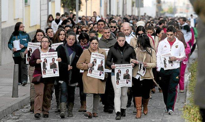 Manifestación de apoyo a la familia de Ana Isabel Maqueda Arispón.