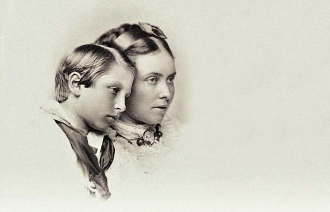 Guillermo II y su madre, Vicky.