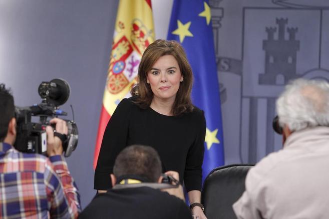 Soraya Sáenz de Santamaría, poco antes de la rueda de prensa.