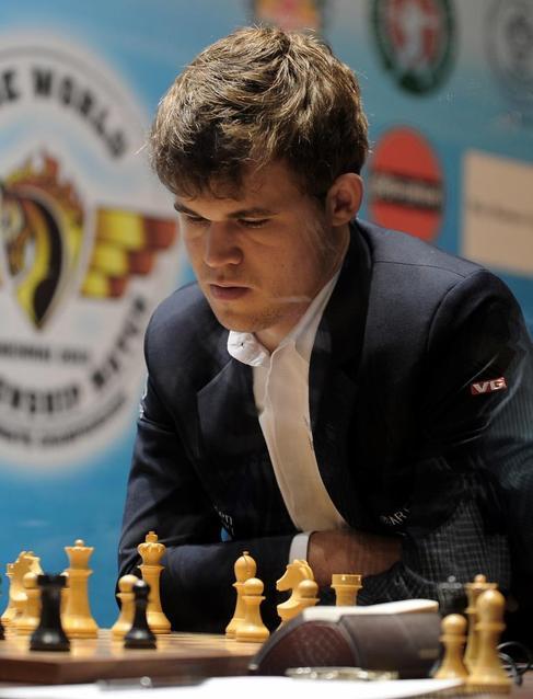 Carlsen, durante la décima partida.