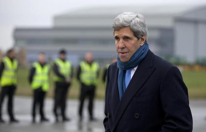 El secretario de Estado de EEUU, John Kerry, a su llegada hoy a...