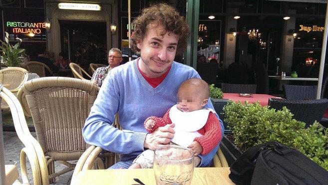 Alejandro Altisent, en una imagen con su hijo Marcelo.