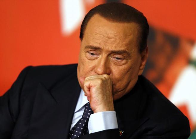 Berlusconi, durante su rueda de prensa de este lunes.