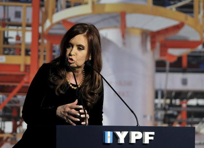 Cristina Fernández pronuncia un discurso en la inauguración de una...